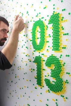 This bubble wrap is too nice to pop! Barcelona graphic design studio Lo Siento created colourful typographic messages using food colouring injected into bubble wrap for the cover of Wired Magazine. Environmental Graphics, Environmental Design, Art Et Design, Web Design, Signage Design, Typography Design, Bubble Wrap, Home And Deco, Grafik Design