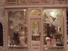 Lingerie la boîte à poupées