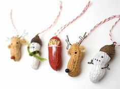 ▷ ideias para artesanato de Natal com crianças Peanuts Christmas, Noel Christmas, Christmas Projects, Christmas Humor, Winter Christmas, Holiday Crafts, Holiday Fun, Christmas Ornaments, Christmas Ideas