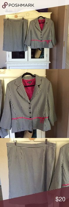 Houndstooth Suit Houndstooth Suit, zipper back skirt with small slit, like new, 100% Polyester Sweet Suit Skirts Skirt Sets