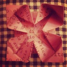 Origami fiori http://www.youtube.com/watch?v=NAQkuvao3sQ http://www.youtube.com/watch?v=logIc49UWh4