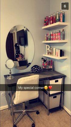 42 free DIY bedroom desk ideas you can make today - Jugendzimmer - Sala Glam, Bedroom Desk, Diy Bedroom, Teen Bedroom, Mirror Bedroom, Bedroom Inspo, Teen Rooms Girls, Modern Bedroom, Room Ideas For Teen Girls Diy