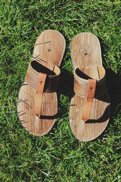 Fair Fashion // Slippers van gevallen palmbladeren