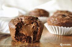 Chocolate banana muffins stuffed with hazelnut / Nutella-filled chocolate banana muffins Muffin Recipes, Cake Recipes, Dessert Recipes, Chocolate Banana Muffins, Nutella Recipes, Relleno, Just Desserts, Love Food, Sweet Recipes