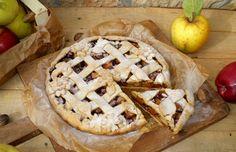Представяме ви рецепта, с която кухнята ви ще ухае на прясно изпечен пай с плънка от даровете на есента. Запарете чаша ароматен чай и се насладете на деня! Да ви е сладко! 🙂 Bulgarian Recipes, Bulgarian Food, Apple Pie, Camembert Cheese, Birthdays, Desserts, Cookies, Anniversaries, Tailgate Desserts