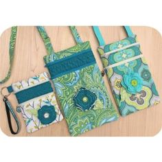 In The Hoop :: 2 Zipper Purses Set - Embroidery Garden In the Hoop Machine Embroidery Designs