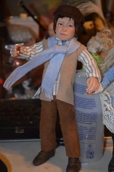 This is Dickon Sowerby from my Secret Garden piece up close. I wound up changing his scarf to a green one later. My Secret Garden, Dollhouses, Art Dolls, Sculpting, Green, Fashion, Whittling, Sculpture, Moda