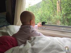 Kindersitz, Schlafmöglichkeit, Wasser ... Was gibt es mit Nachwuchs zu beachten? Camping Mit Baby, Face, Usa, Blog, Kids Booster Seat, Rv, Windows, Voyage, Water