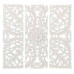 Talla tríptico 120x3x120cm en DM color blanco rozado.
