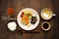 アジフライ&湯豆腐(和食器:古谷浩一のたて鉄線リブ8寸皿/古谷浩一のたて鉄線スープカップ etc)