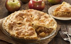 This apple pie anyone can make. Its called a Swedish Apple pie but it could be called a Norwegian one as well. Regardless it& a fabulous apple pie. Apple Pie Recipes, Apple Desserts, Just Desserts, Delicious Desserts, Dessert Recipes, Pie Dessert, Apple Pies, Gala Apple Pie Recipe, Amish Apple Pie Recipe