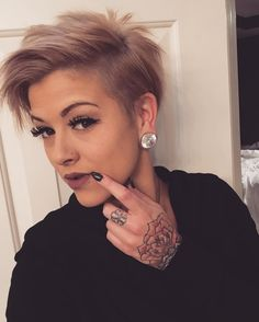 Incomparable Women Hairstyles Half Up Ideas Short Haircut, Pixie Haircut, Funky Hairstyles, Pretty Hairstyles, Chic Short Hair, Hair Addiction, Hair Brained, Short Hair Cuts For Women, Great Hair