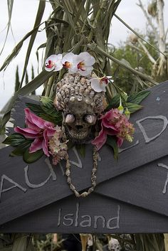 Haunted Tiki Island entrance by DevilsChariot, via Flickr
