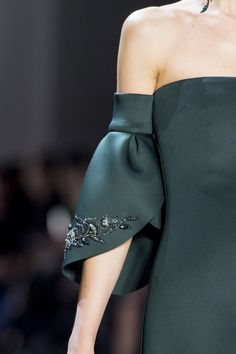 Badgley Mischka bei der New York Fashion Week Herbst 2019 - Details The Effective Pictures We Offer You About Runway Fashion dior A quality picture can tell y New York Fashion, Fashion Week, Runway Fashion, Womens Fashion, Fashion Trends, Fall Fashion, Fashion Pics, Unique Fashion, Fashion Details