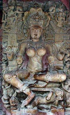 Il mistero delle donne sacre Khmer le Devata di Angkor Wat Cambogia, Yogini nel tempio Gauri Sankara a Bheraghat India