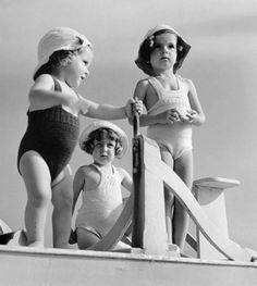 Herbert List At the public pool. Antique Photos, Vintage Photographs, Old Photos, Vintage Photos, Herbert List, Best Vacation Destinations, Best Vacations, Moma, Modern Photography