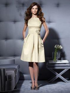 A-line/Princess Slagträeau/Båtringning Knee-length Taft Bridesmaid Dress