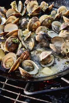 Buttery Pan Clams with Ginger and Scallions — Kitchn Country Bread, Summer Grilling Recipes, Veggie Sandwich, Rice Krispie Treats, Dressing Recipe, Fresh Ginger, Bon Appetit, Food To Make, Cooking