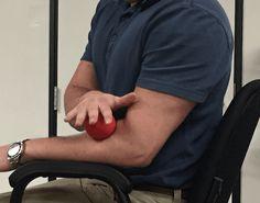 Tennis Elbow Relief, Tennis Elbow Symptoms, Tennis Elbow Exercises, Forearm Stretches, Shoulder Stretches, Shoulder Blade Muscles, Tendinitis Elbow, Tennis Arm, Eccentric Exercise