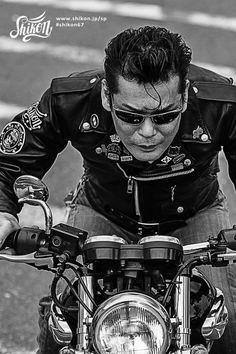 #rock #ロック #badge #バッジ #rck'nroll #ロックンロール #pinbadge #バッチ #rockandroll #ロカビリー #embroidered #ピンバッジ #rockabilly #バイク #rockers #ピンバッチ #motorcycle #オートバイ #leatherjacket #ロッカーズ #bike #カフェレーサー #レザージャケット #caferacer #ビンテージ #shikon67 #vintage Rockabilly Music, Rockabilly Outfits, Rockabilly Fashion, Rock And Roll Girl, Rock And Roll Fashion, Bandana Girl, Riders Jacket, Bandana Styles, Japanese Kanji