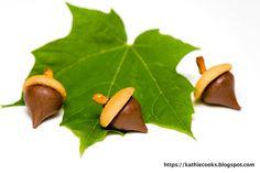 Acorn Sweets : Hershey Kiss, Nilla Wafer, Peanut butter , mini pretzel
