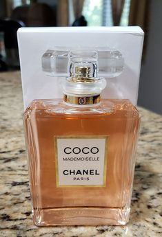 New and unused tester in plain white tester box. Next day shipping. Please contact with any questions. Perfumes Versace, Perfume Chanel, Best Perfume, Chanel Chanel, Chanel Couture, Perfume Scents, Perfume Bottles, Mademoiselle Perfume, Bath And Body Works Perfume