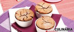 Receita de Mini soufflés de chocolate com aveia. Descubra como cozinhar Mini soufflés de chocolate com aveia de maneira prática e deliciosa com a Teleculinária!