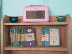Roberts Radio retro colours