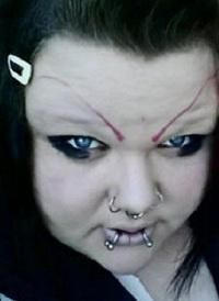 '20 Terrible Eyebrow FAILS' I'm trying to come up with the look she was going for. Demonic? Alien? Uh, just plain not attractive?
