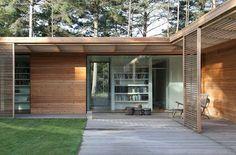 Bergman–Werntoft House | Johan Sundberg Architectural Design Maison Atrium, Danish House, Sweden House, Unique House Design, Storey Homes, Courtyard House, Malm, Prefab, House In The Woods