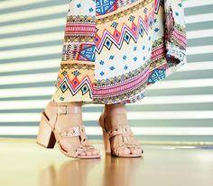 Bela, simples e elegante! 🎉🎊🎉🎊 Numeração pronta entrega: 37 🎁🎁🎁🎁 R$122,50 (2x no cartão de crédito) R$110,25 (desconto de 10% á vista) 🎈🎈🎈🎈 WhatsApp: 91 99981 0494 Insta: @navitrineonline Face: Na Vitrine On Line (by Simone Platino) #navitrineonline #sapatoterapia #amosapatosnovos #rasteirinha #amosapatos #weloveshoes #mulheresqpasseiamnanet #bysimoneplatino