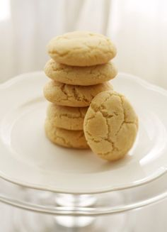Amy's delicious Almond Cookies! Easy to make and freezes great.