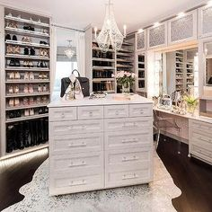37 + Unanswered Concerns About Glam Room Closet Vanity Ideas 56 Walk In Closet Design, Bedroom Closet Design, Closet Designs, Closet Rooms, Sala Glam, Closet Island, Closet Vanity, Closet Mirror, Vanity Room