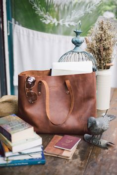 Brown Leather Purses, Leather Bag, Large Canvas Tote Bags, Burlap Bags, Minimalist Bag, Diy Tote Bag, Suede Handbags, Fabric Bags, Fashion Bags