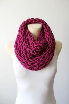 Chunky Knit Scarf Knit Infinity Scarf Cranberry Knit Scarf Winter Knit Scarf Oversized Knitting Gift for her Christmas Celebrations Gift Mom