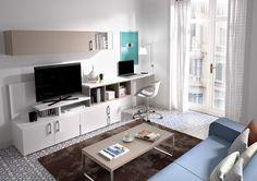 Los muebles con escritorio para el salón son una buena solución si no tienes una habitación independiente para tu zona de trabajo. Descubre propuestas Kibuc
