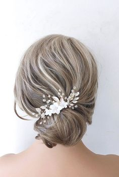 This Pin was discovered by Bridal Star wedding hair accessories. Discover (and save!) your own Pins on Pinterest. Bridal Hair Down, Romantic Wedding Hair, Wedding Hair Clips, Wedding Hair Down, Bridal Hair Vine, Wedding Hair Pieces, Star Wedding, Flower Hair Accessories, Wedding Hair Accessories