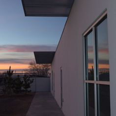 Sunrise at inde/jacobs in Marfa.