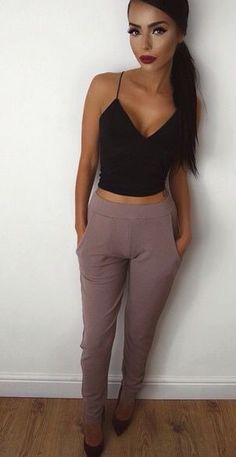 black crop top + purple pants Everything from her tan, makeup, and outfit! Fashion Mode, Look Fashion, Womens Fashion, Fashion Black, Mode Outfits, Casual Outfits, Fashion Outfits, Casual Dressy, Semi Casual