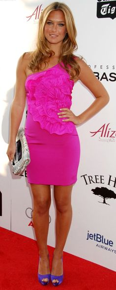 Bar Refaeli I love her dress and shoes!