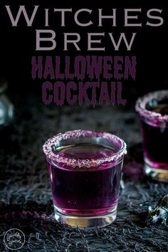This 'Witches Brew'- halloween cocktail is so stunning. Based on a Purple Hooter, the vivid colour is dramatically beautiful, but with a dark eerie feel perfect for an easy halloween party cocktail/shot.It is a simple vodka based cocktail, that is delicious and just a little spooky but still with a sense of fun. Keep it short as a shot or alcohol shooter or add soda for a long drink.#halloweendrink #halloweenparty Halloween Desserts, Halloween Jello Shots, Halloween Party Drinks, Diy Halloween, Halloween Alcoholic Drinks, Alcoholic Desserts, Halloween Coctails, Halloween Witches, Party Shots Alcohol