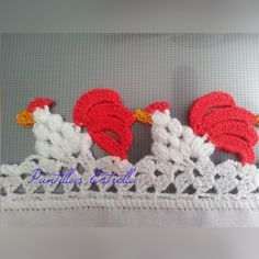 If you looking for a great border for either your crochet or knitting project, check this interesting pattern out. When you see the tutorial you will see that you will use both the knitting needle and crochet hook to work on the the wavy border. Crochet Boarders, Crochet Edging Patterns, Crochet Motifs, Thread Crochet, Crochet Trim, Knit Or Crochet, Crochet Crafts, Crochet Doilies, Yarn Crafts