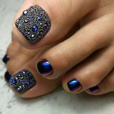 43 of the Best Nail Art on Toes Toes! 43 of the Best Nail Art on Toes - Toes! 43 of the Best Nail Art on Toes - Pretty Toe Nails, Cute Toe Nails, Pretty Toes, Fancy Nails, Toe Nail Color, Toe Nail Art, Nail Colors, Pedicure Designs, Toe Nail Designs
