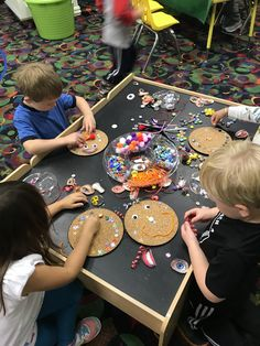 Art Education Lessons, Kids Education, Preschool Rooms, Preschool Activities, Crafts For Kids, Arts And Crafts, Busy Boxes, Montessori Baby, Eyfs