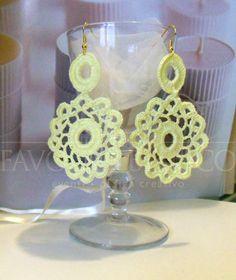 Handmade Bijoux and Accessories - Orecchini all'uncinetto colore giallo realizzati a mano