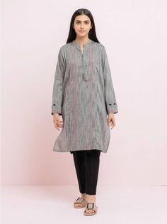 Simple Pakistani Dresses, Pakistani Dress Design, Unique Dresses, Casual Dresses, Fancy Dress Design, Cutest Couple Ever, Dress Neck Designs, Plain Shirts, Kurta Designs