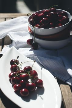 Fresh cherries - download this beautiful picture in hi-res for FREE from foodiesfeed.com / #free #download #hires #foodphotography #food #picture #photography #design #nocopyright