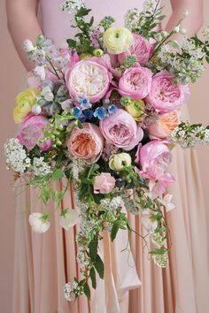 12 Breath-Taking Bridal Bouquets Featuring David Austin Roses Dahlia Wedding Bouquets, Pink Bouquet, Diy Wedding Flowers, Rose Wedding, Bridal Bouquets, Bouquet Flowers, Dahlia Flower, Wedding Decor, Wedding Ideas