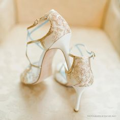 Glamour meets lady-like vintage embroidered lace gold wedding shoes with embroidered gold lace and criss cross gold leather straps. Shop gold wedding heels now! Sparkly Wedding Shoes, Gold Wedding Gowns, Wedding Heels, Elegant Wedding, Wedding Dresses, Vintage Wedding Shoes, Rustic Wedding, Wedding Sneakers, Gold Weddings