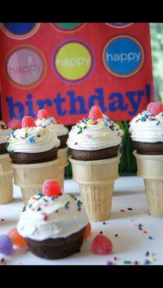 Kellyscupcakecompany Naples Bakery Cupcakes Birthday Kidsbirthday